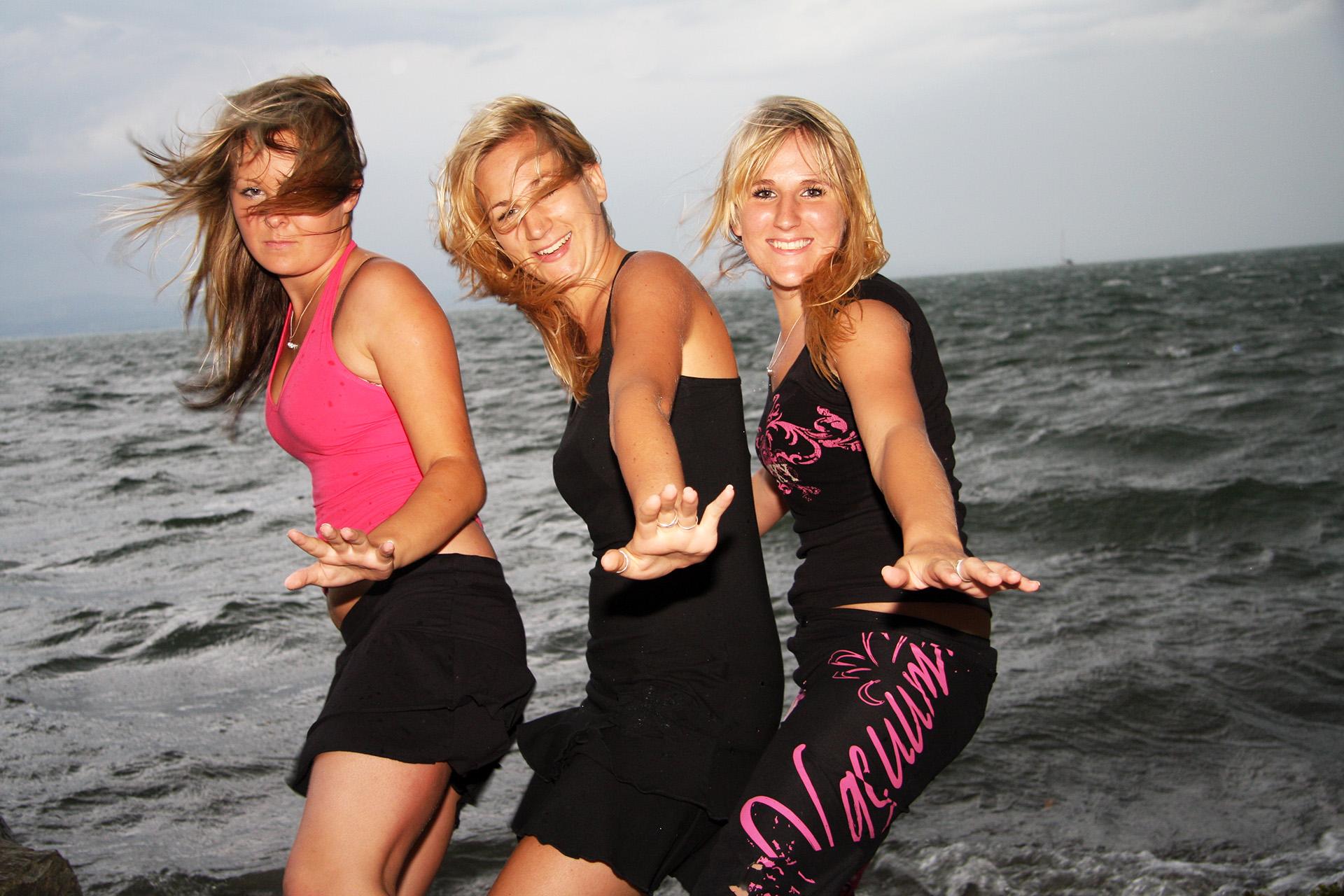Surfergirls am Bodensee © reinhold@wentsch.com | bodensee.photography